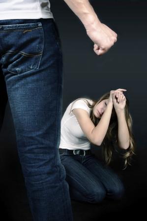 תושבת העיר: בן זוגי חתך אותי בסכין