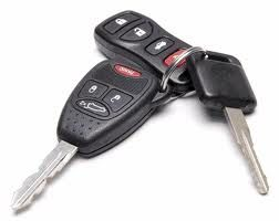 חשד: בן 15 נעל את האם בבית וגנב את הרכב