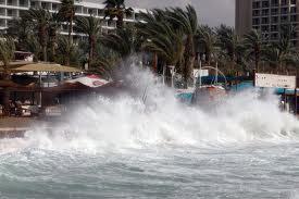 וידיאו: סערה דרומית בחופי אילת