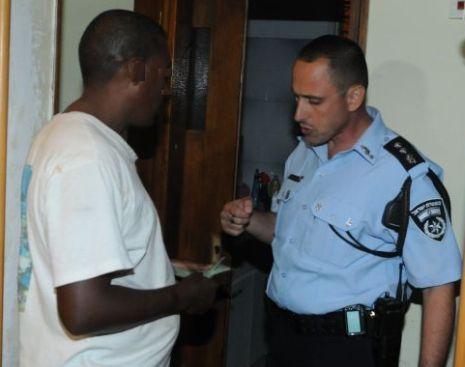 מסתננים חשודים בסחר בסמים ובגניבות