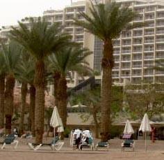 העירייה: המפעיל האילתי של 'חוף הזהב' יוכל למכור מזון ומשקאות