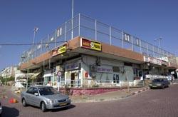 שני מקרי שוד ב'מרכז איזידור' ובטיילת