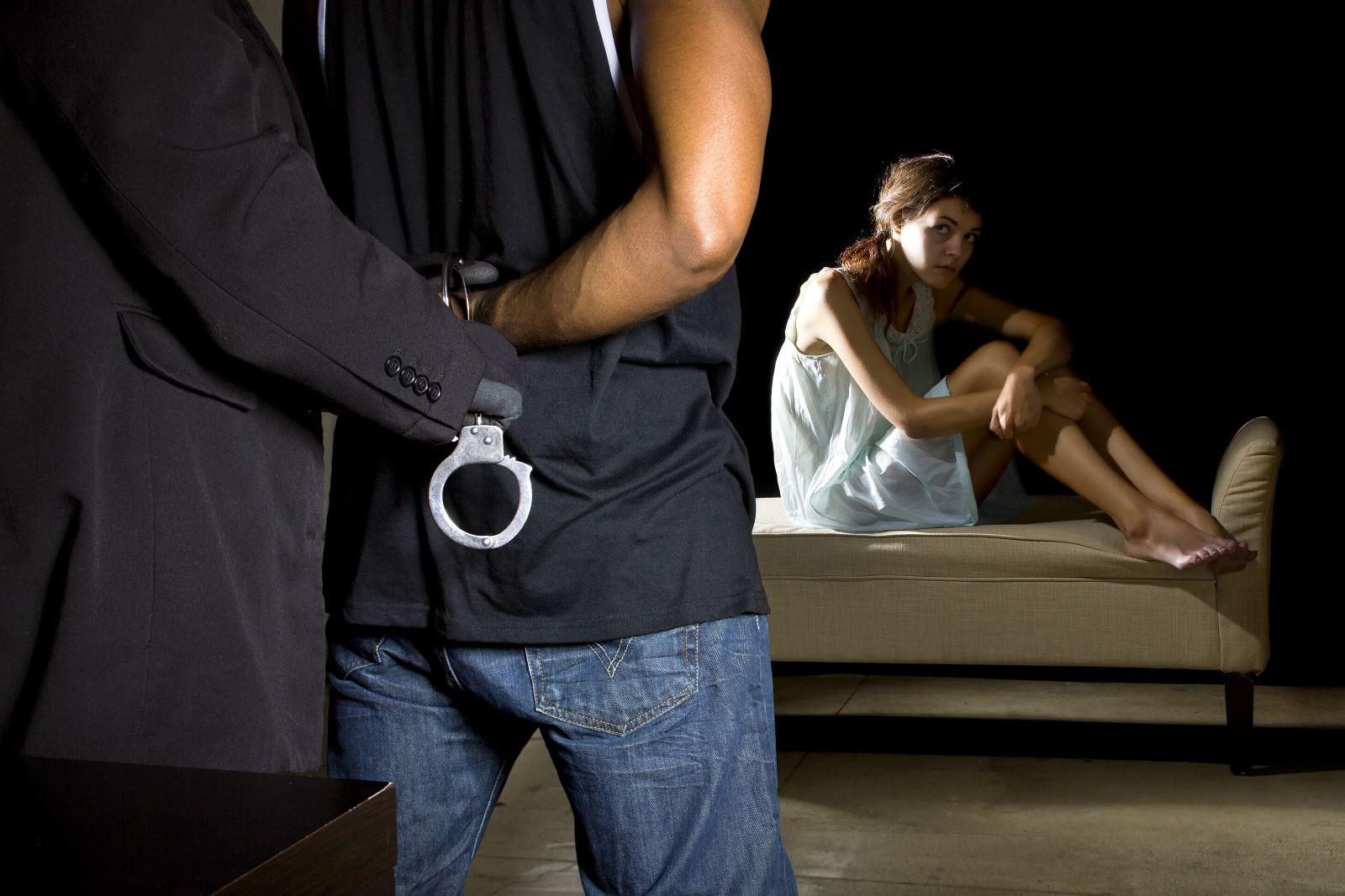 בן 53 מאילת נעצר בחשד לביצוע מעשה מגונה בקטינה