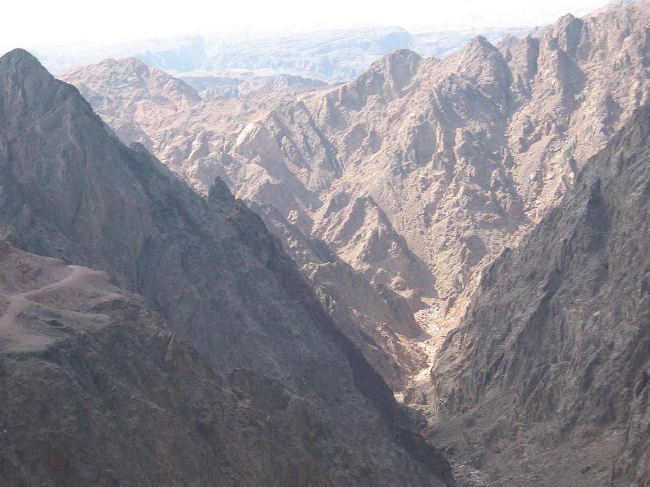 חולץ מטייל בן 51 בנחל גשרון בהרי אילת סמוך לגבול מצרים