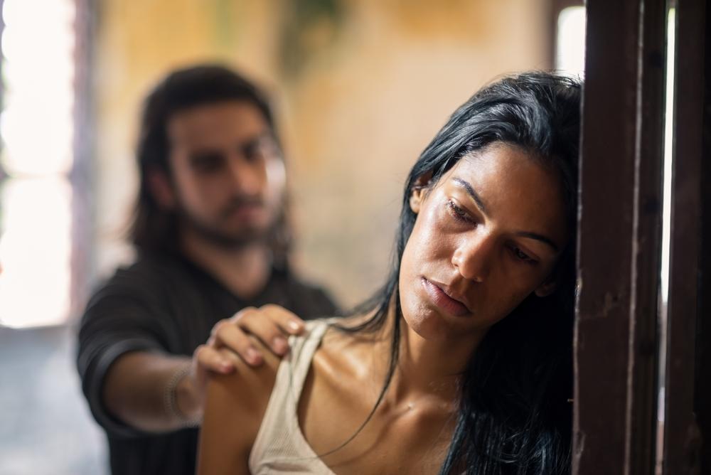 תלונה: ניסה לאנוס את אשת חברו ההרה