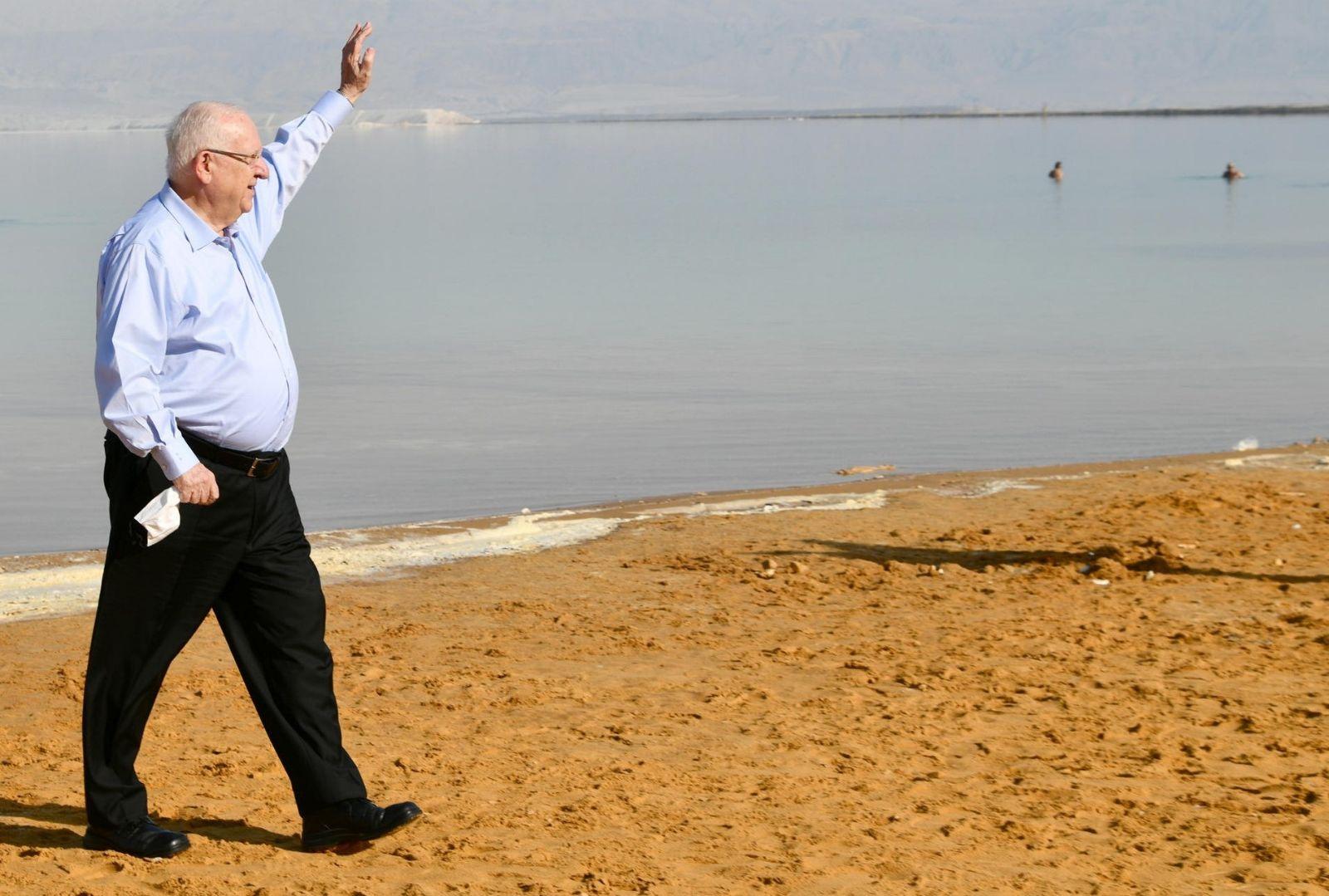 נשיא המדינה יצא לעודד את התיירות לים המלח ואילת עם פתיחת 'האיים הירוקים' ושם נפגש עם ראשי ענף התיירות ושרת התיירות