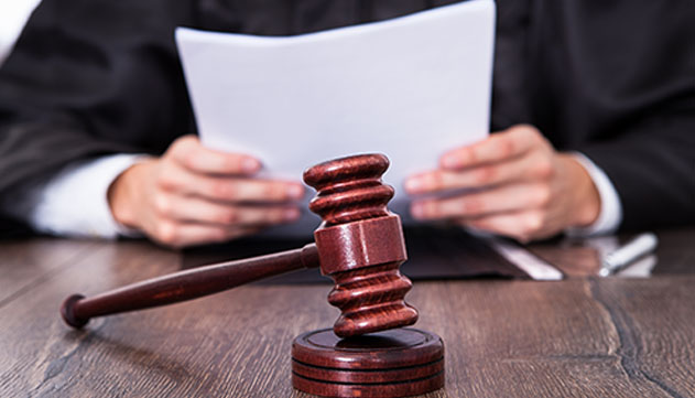 כתב אישום נגד תושב אילת שהתחזה לשוטר, הטריד וגנב
