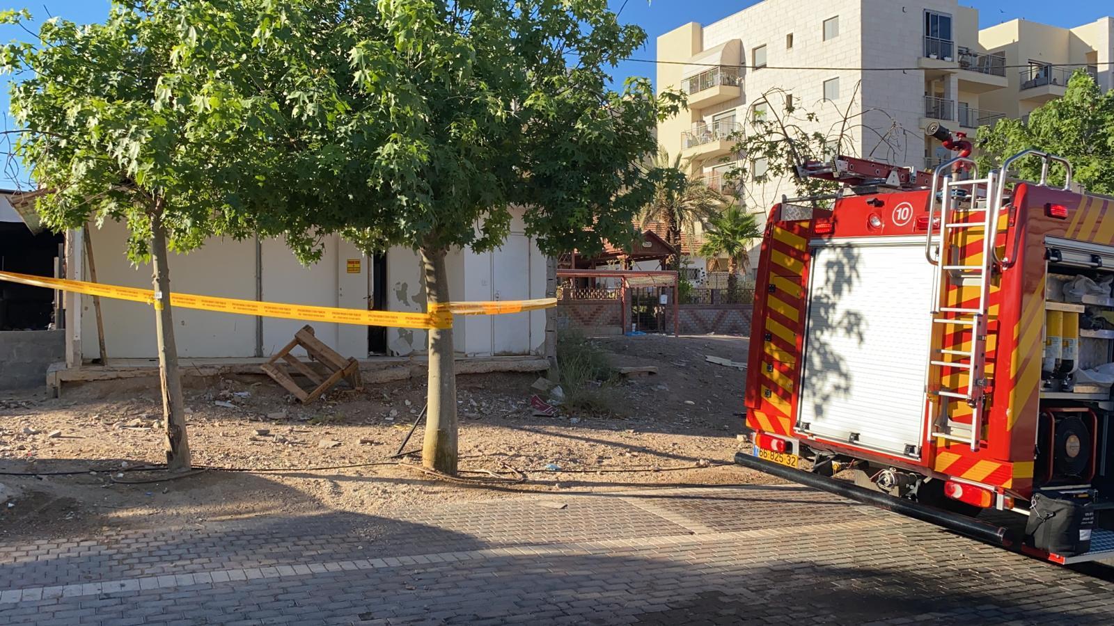 שריפה במבנה עם לכודים ברחוב האלמוגים באילת