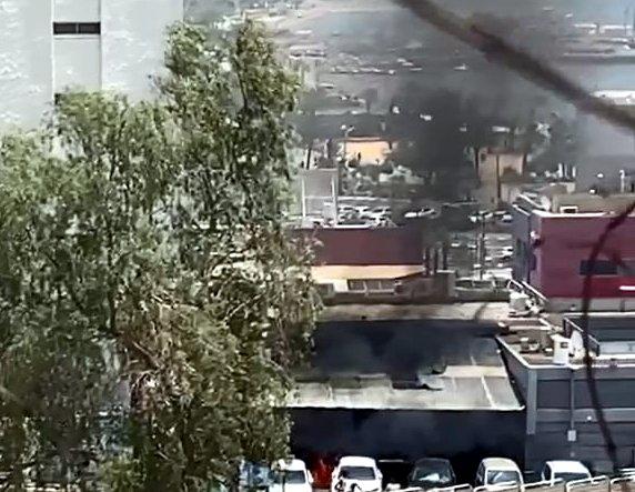 צפו: שריפה פרצה בפאב במרכז התיירות באילת