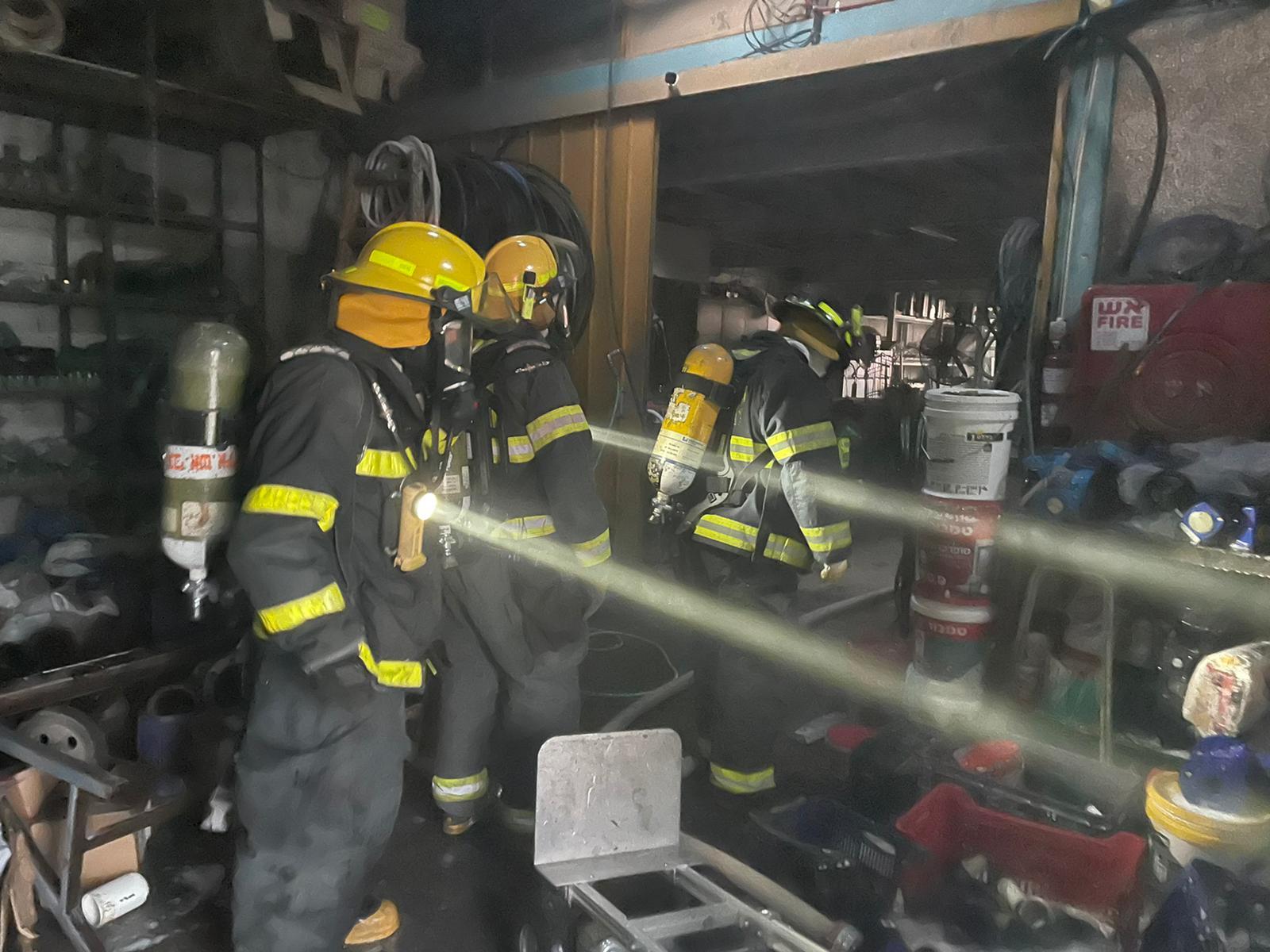 שריפה באזור התעשייה באילת מול מתחם ביג