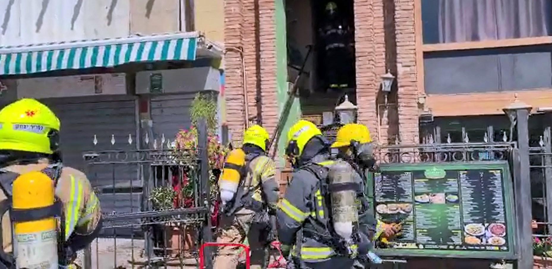 צפו: שריפה במרכז התיירות באילת