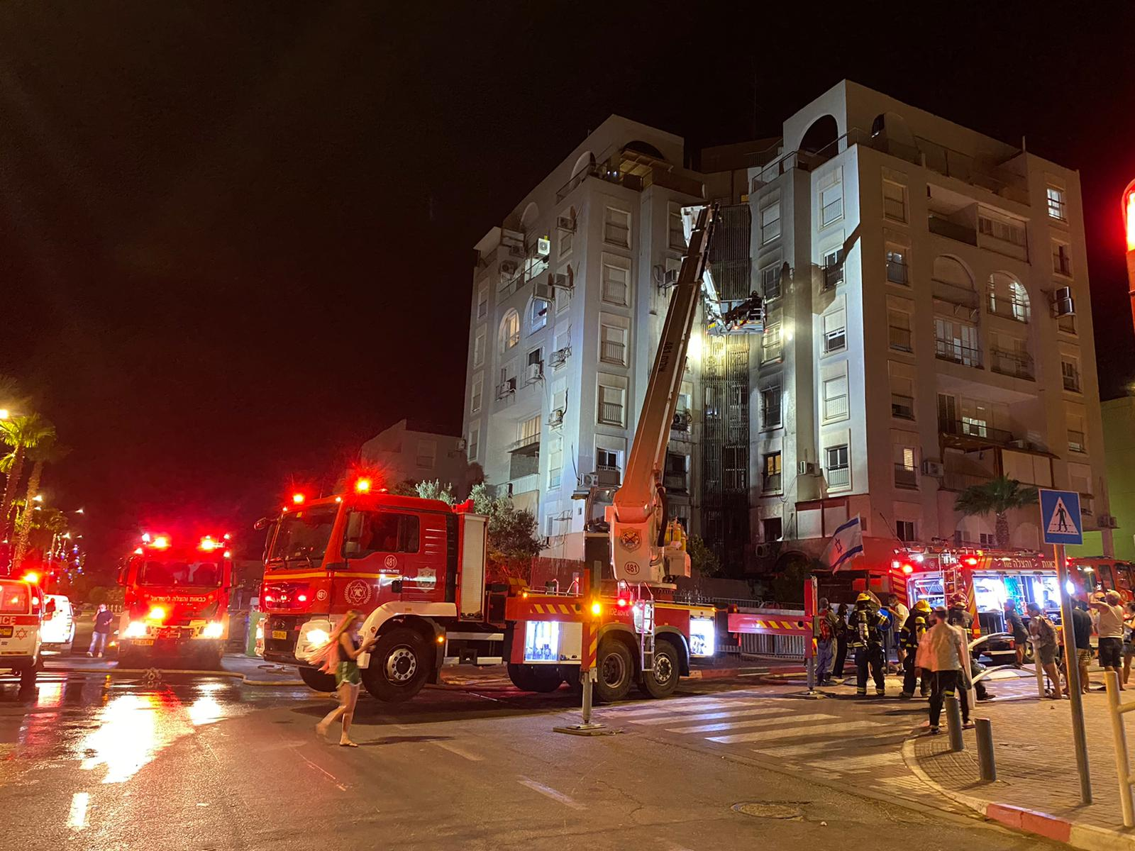 לוחמי האש הצילו מהשרפה את בעלי החיים