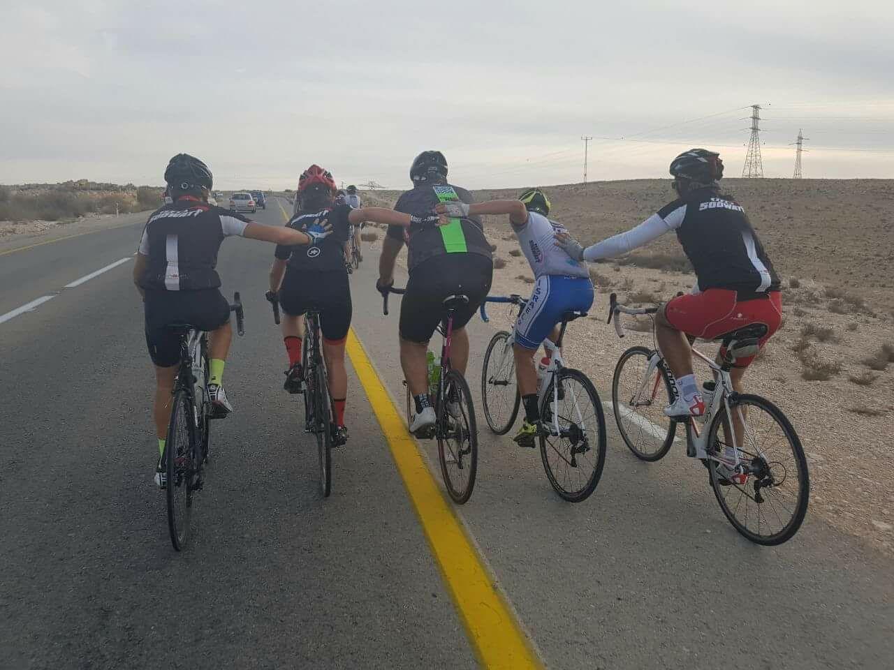 מעלים את המודעות לסרטן העור במסע אופניים לאילת