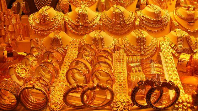 נגנבה כספת שהכילה תכשיטיםעשויים זהב ומשובצים ביהלומים