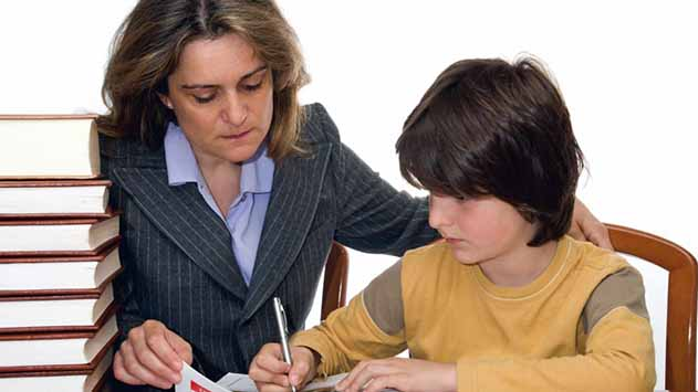 משרד החינוך ממליץ להפסיק עם שיעורי הבית? תלוי את מי שואלים