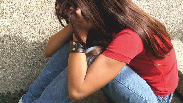 תלמידה הוטרדה מינית על ידי תלמידה אחרת, בבית הספר מתעקשים- התלמידה תישאר במגמה
