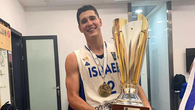 הוא משלנו: שחר עמיר, בן אילת (20) היה שותף לזכייה של נבחרת העתודה באליפות אירופה