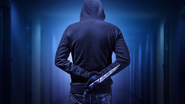 חזר לפאב חמוש בסכין כדי  לסגור חשבון עם המאבטחים