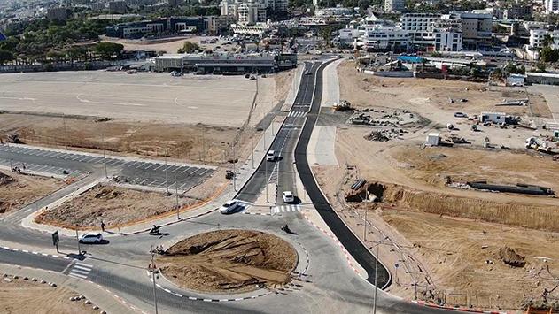 כביש רוחב נוסף מחבר  את אזור התיירות ללב העיר