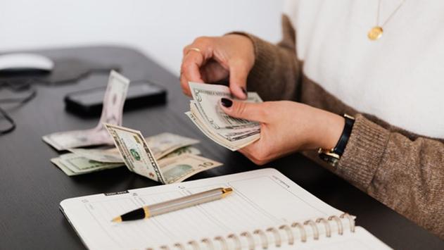 למה למעסיקים כדאי להתעדכן עם טבלאות שכר בהייטק?