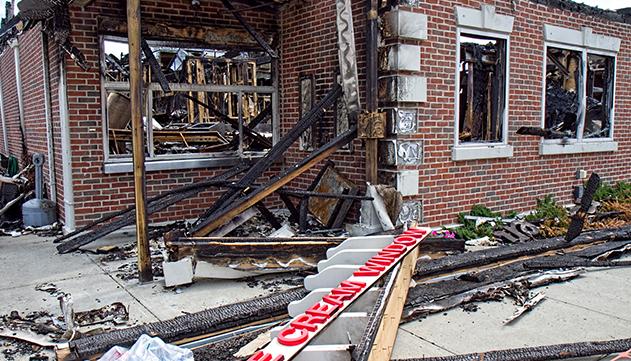 ניסה לפדות את כספי הביטוח  על החנות שנשרפה בטענה כי  חפש באילת בעת השריפה