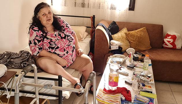 האילתית שלא יצאה מביתה שנתיים:  ''אף רופא לא רוצה לבוא אלי הביתה,  מחכים שאמות?''