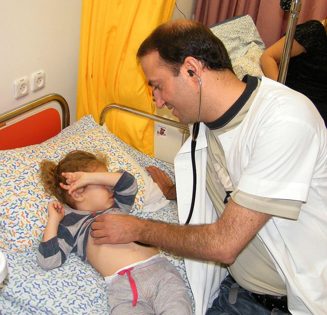 רופא ילדים הצטרף למחלקת ילדים בביה''ח 'יוספטל'