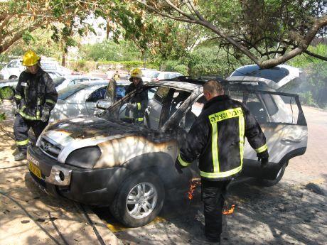 רכב עלה באש בשכונת מערב 7
