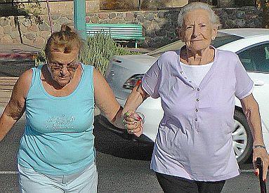 ''העירייה מתכחשת לאחריותה בנושא הקשישים''