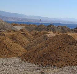 מינהל מקרקעי ישראל חסם את שביל המטיילים
