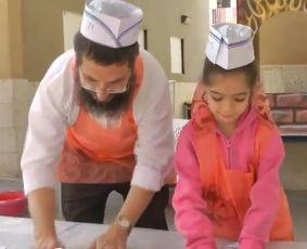 וידיאו: חב''ד עושים פסח בבתי הספר היסודיים