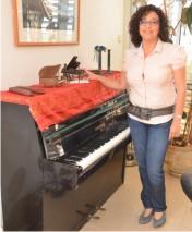 חביבה דודי - מורה לפסנתר וקלידים
