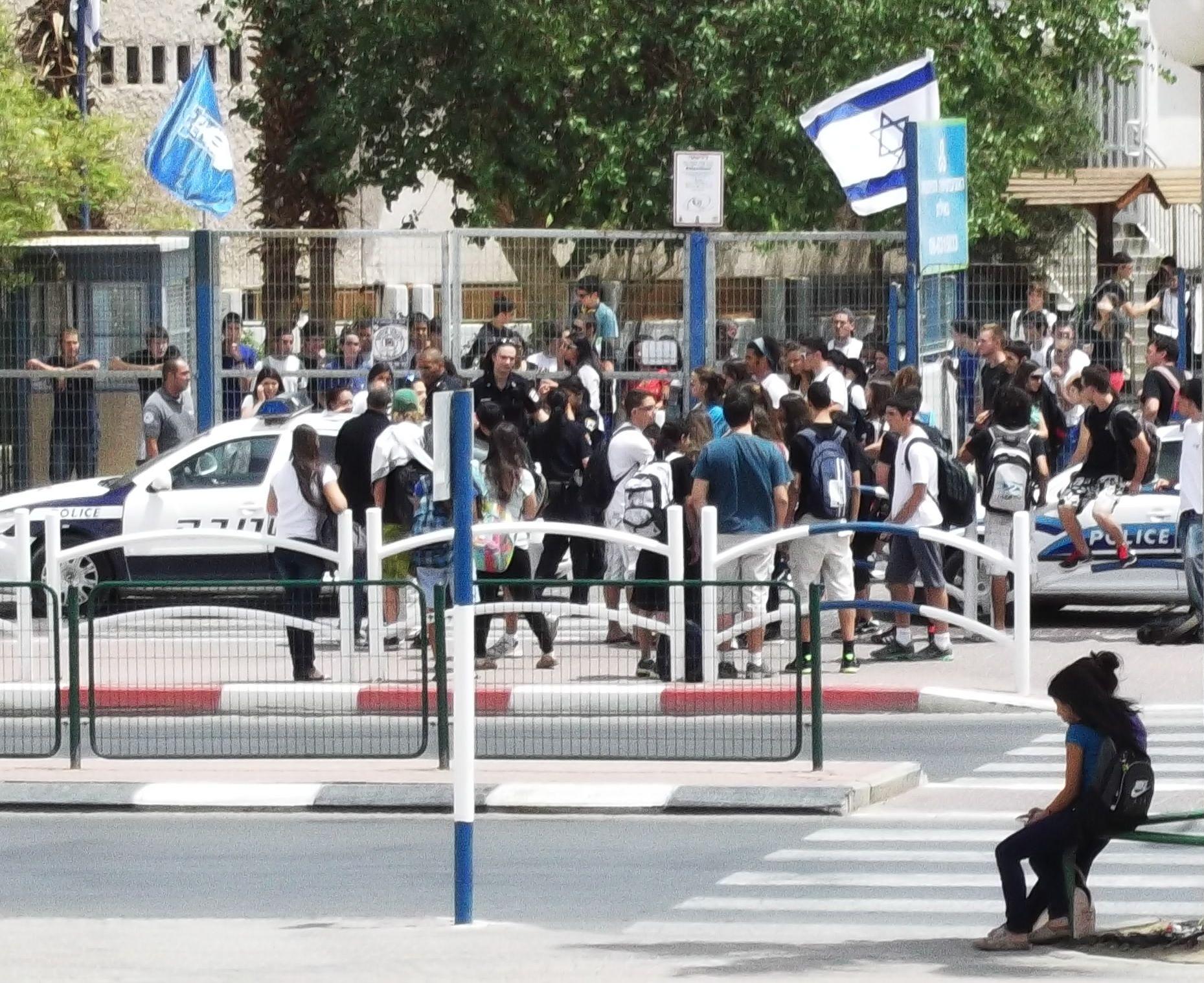 תלמידות התקוטטו ונחקרו במשטרה