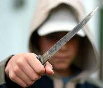 חשד: אילתים שדדו מסתנן