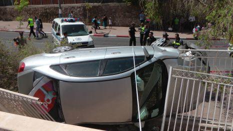 וידיאו ותמונות: תאונת דרכים מוזרה