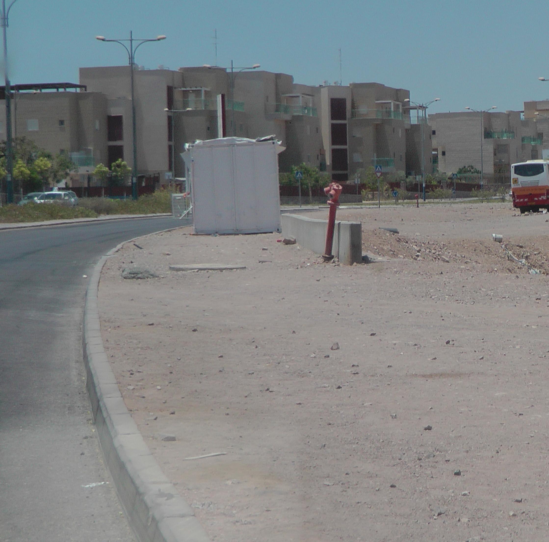הוסרו דגלי הקבלנים בכביש העוקף