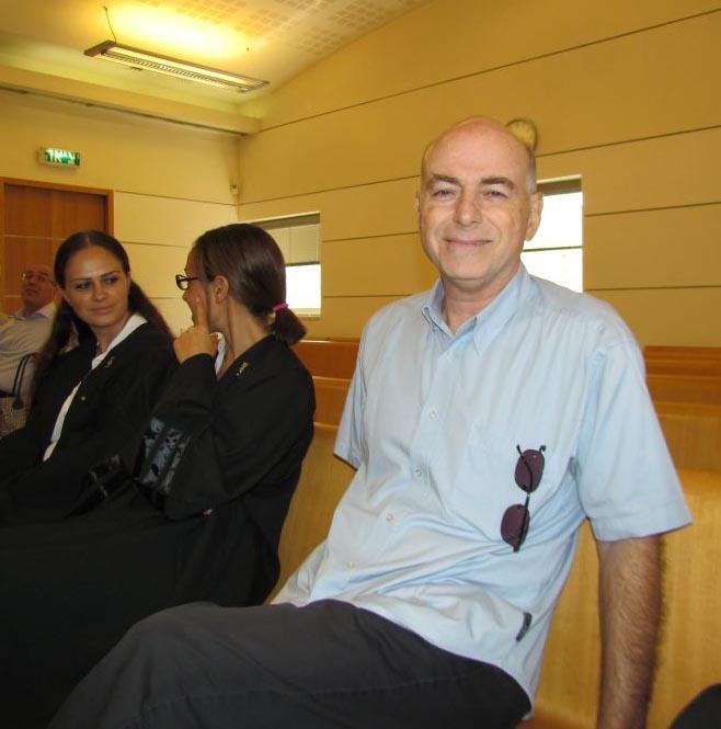 השופטים שוקלים לבטל את פיטורי מבקר העירייה