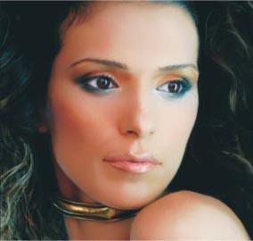 סימה קורן - הקוסמת שתעשה אתכן יפות יותר