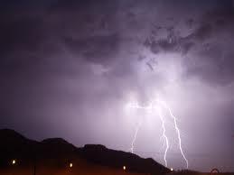 וידיאו: סופת ברקים הלילה מעל אילת
