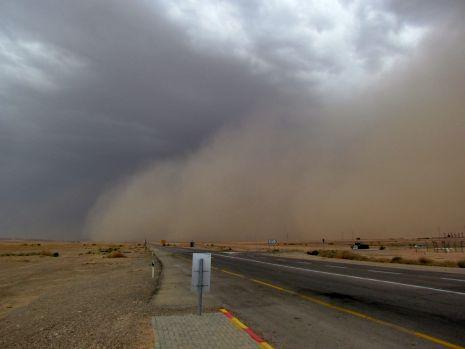 וידיאו ותמונות: גשמים וסופות חול בהרי אילת