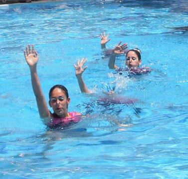שחייה צורנית-בקרוב אצלנו