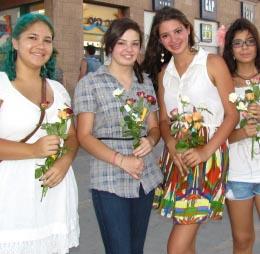 צעירות אילתיות הציעו אהבה