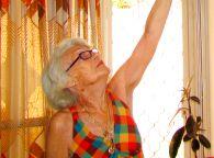 הרוויחו מיליונים אך לא מסייעים לקשישה