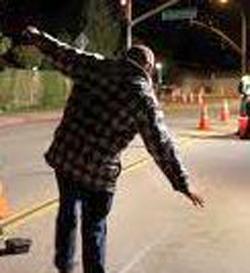 קצין בטיחות נהג שיכור נגד כיוון התנועה