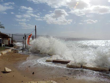 וידיאו ותמונות: סערה באילת