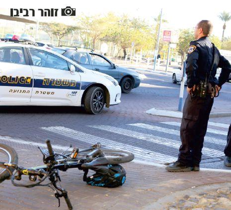 מונית פגעה בילד על אופניים