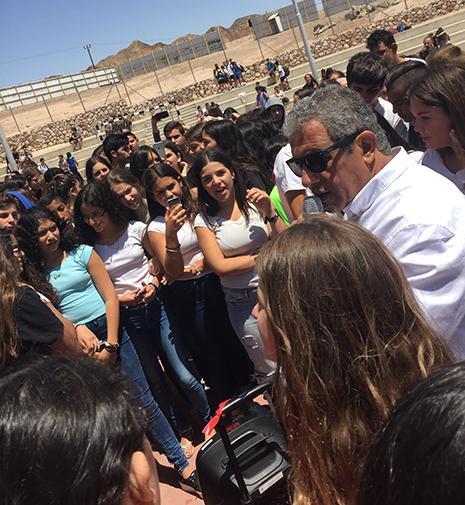 תלמידים נגד השבתת הטיולים השנתיים