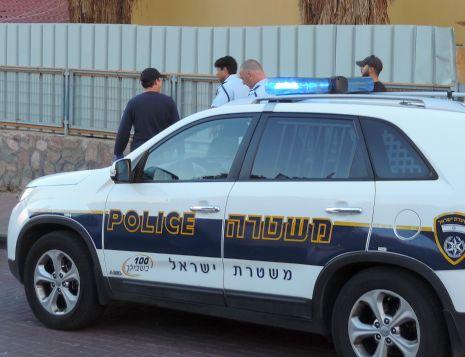 השוטרים הצילו את הגבר ממכות אשתו