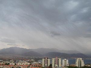 גשם באילת; עיכובים בטיסות בגלל הערפל במרכז