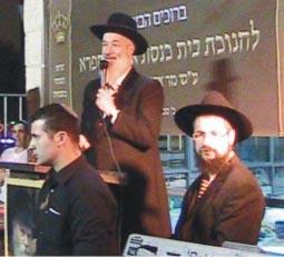 הרב יונה מצגר: ''רבי מאיר לא נתן לפקחי הבנייה למצוא גירעונות''